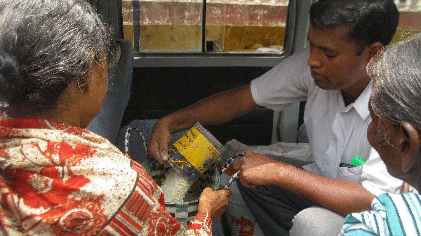 Supplying Monthly Food & Rice for aged people0